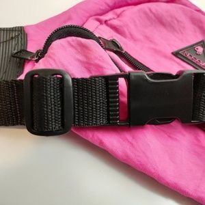 SASSON Bags - Vintage 80s SASSON neon pink fannypack super cute